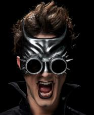 masque heroine futuriste