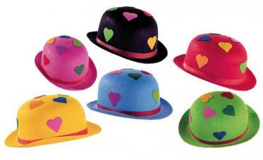 chapeau melon avec coeur