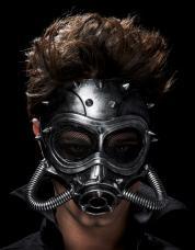 masque a gaz futuriste