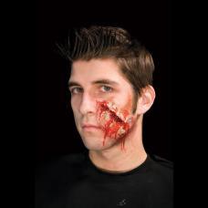 prothese latex cicatrice sanglante fermee
