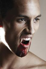 Dents de Vampire Extra Longues Luxe