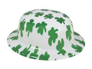 chapeau plastique blanc avec trefles vert