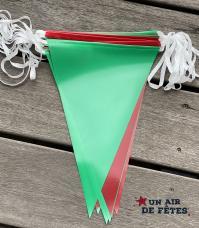 guirlande fanions vert et rouge