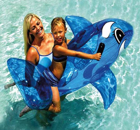 Bouée piscine en forme orque