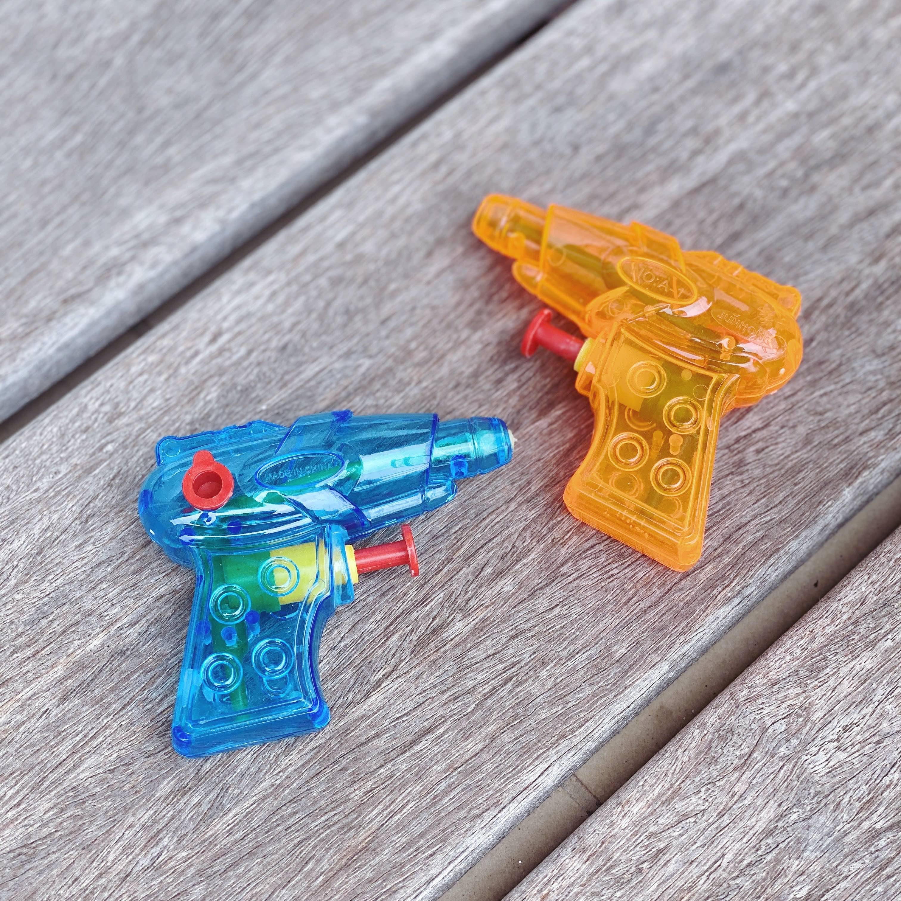 Petit Pistolet à eau plastique pas cher